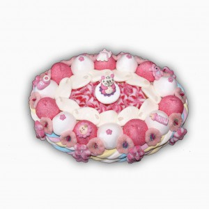 Gâteau naissance fille en bonbons