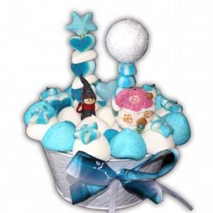 Gâteau de bonbons lutin dans la neige
