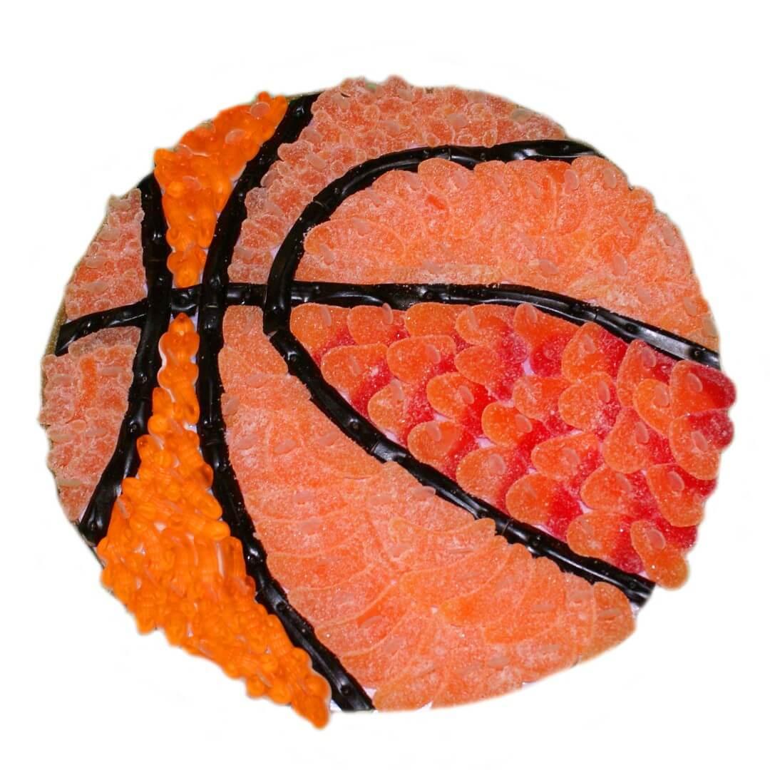 Gâteau ballon de basket en bonbon