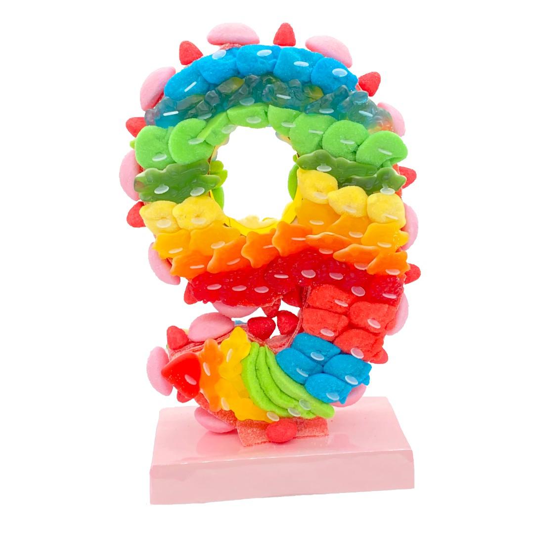 chiffre 3D en bonbons arc en ciel